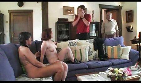 El clítoris estimula porno amateur latino anal a la rubia.
