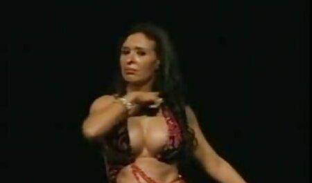 Mujer disfrutando del sexo con el hombre en porno ameteur latino el dormitorio