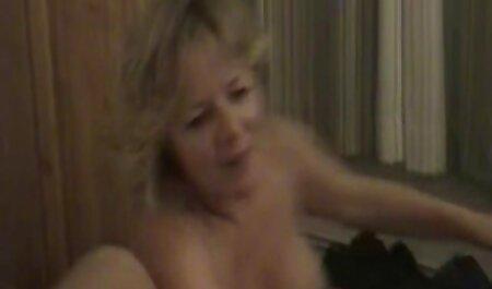 Curiosidad videos caseros pornos latinos de la boda, un miembro de los amigos de su marido, y poner al niño en su pelo liso en tradicional