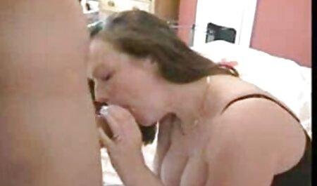Bella Kennedy Leigh audio latino xxx filmando en la sala de estar