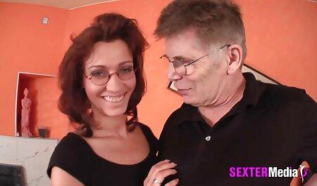 A ella tenia cuarenta años, en un hotel cortejado por un hombre con porno anime en español latino una gran polla