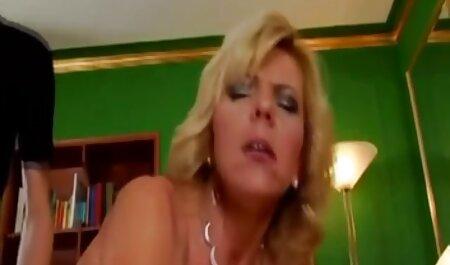 Rubia a hacer sexo en español latino para el cartón de macho, culo grande,