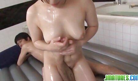 Gina-dos manos con un hombre en el porno anime en español latino mar