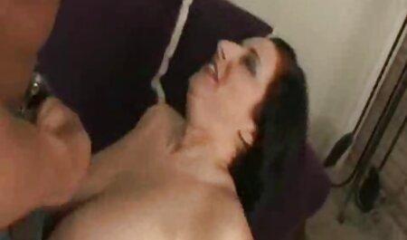Hombre-pepinos, una rubia en un collar. porno amateur lat