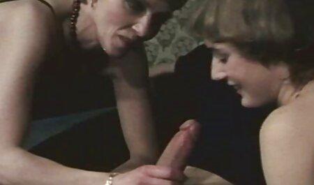 Mujer porno anime español latino joven mamada y masturbación con un amigo.