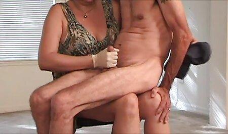 Muñeca coño masturbación en porno amateur lat baño y exposición tatuaje antorcha en jahach