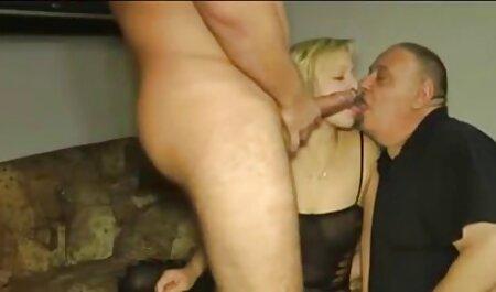 Chica sexo latino caliente con un gran culo, chica con una gran polla en anal