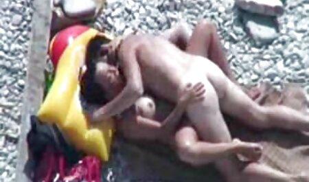 Mamá lavado y masturbándose en baño sexo latino en español