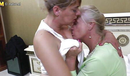 Esposa inferior de la pierna, y sexo entre hermanos latinos empezar a masturbarse delante de la webcam,